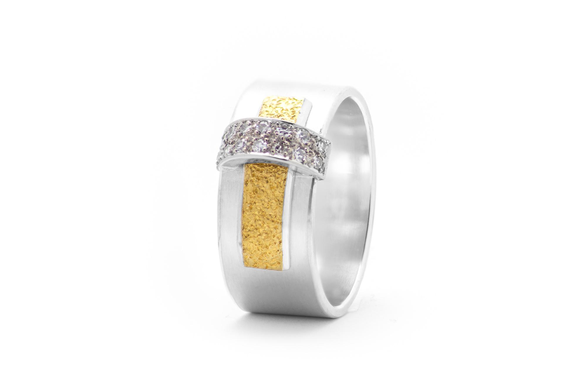 Ring, Gelbgold, Silber, Brillant 694€