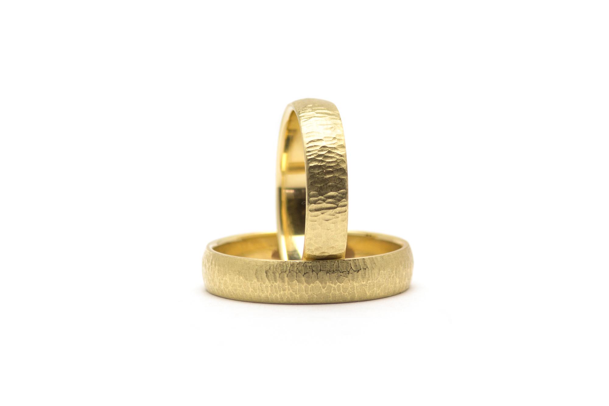 585 Gelbgold, Paar 890€